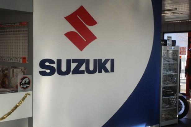 Enseigne Suzuki